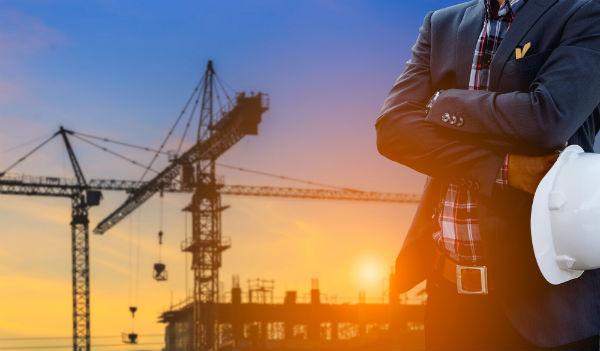 בנייה של החברה עבור בעליה על קרקע שרכשה